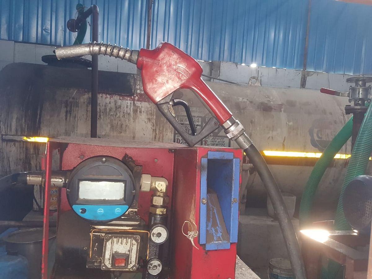 Illegal diesel pump set up during pandemic busted in Wadala
