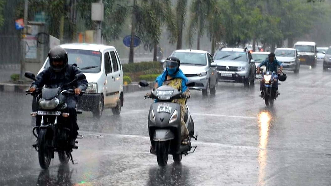 Parts of Maharashtra receive light to moderate rains; IMD says hailstorm likely in next 2 days