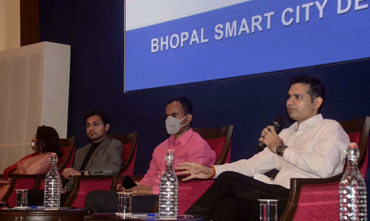 BSCDCL organised an investors' summit at Minto Hall on Wednesday