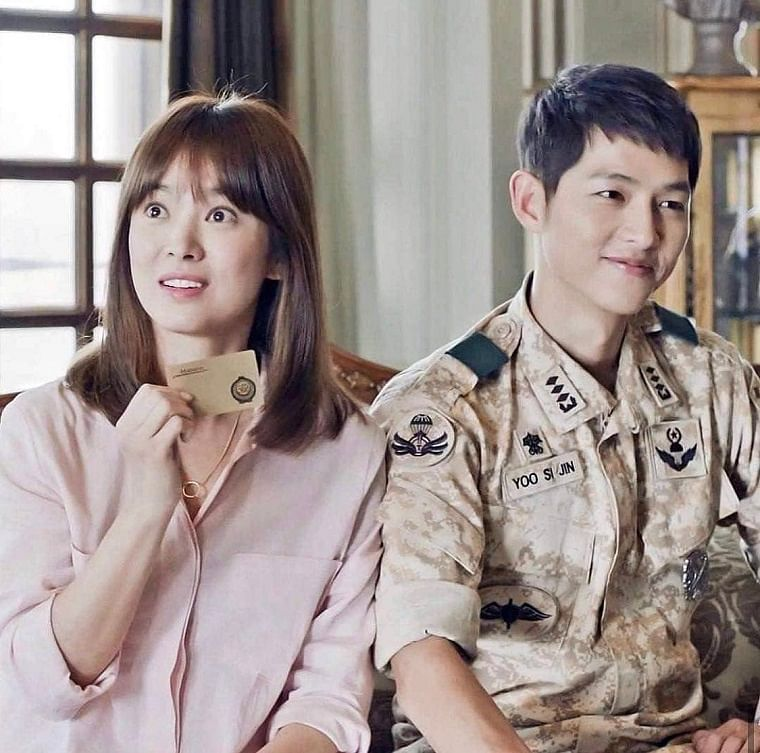 Song Hye-kyo and Song Joong-ki in The Descendants of the Sun