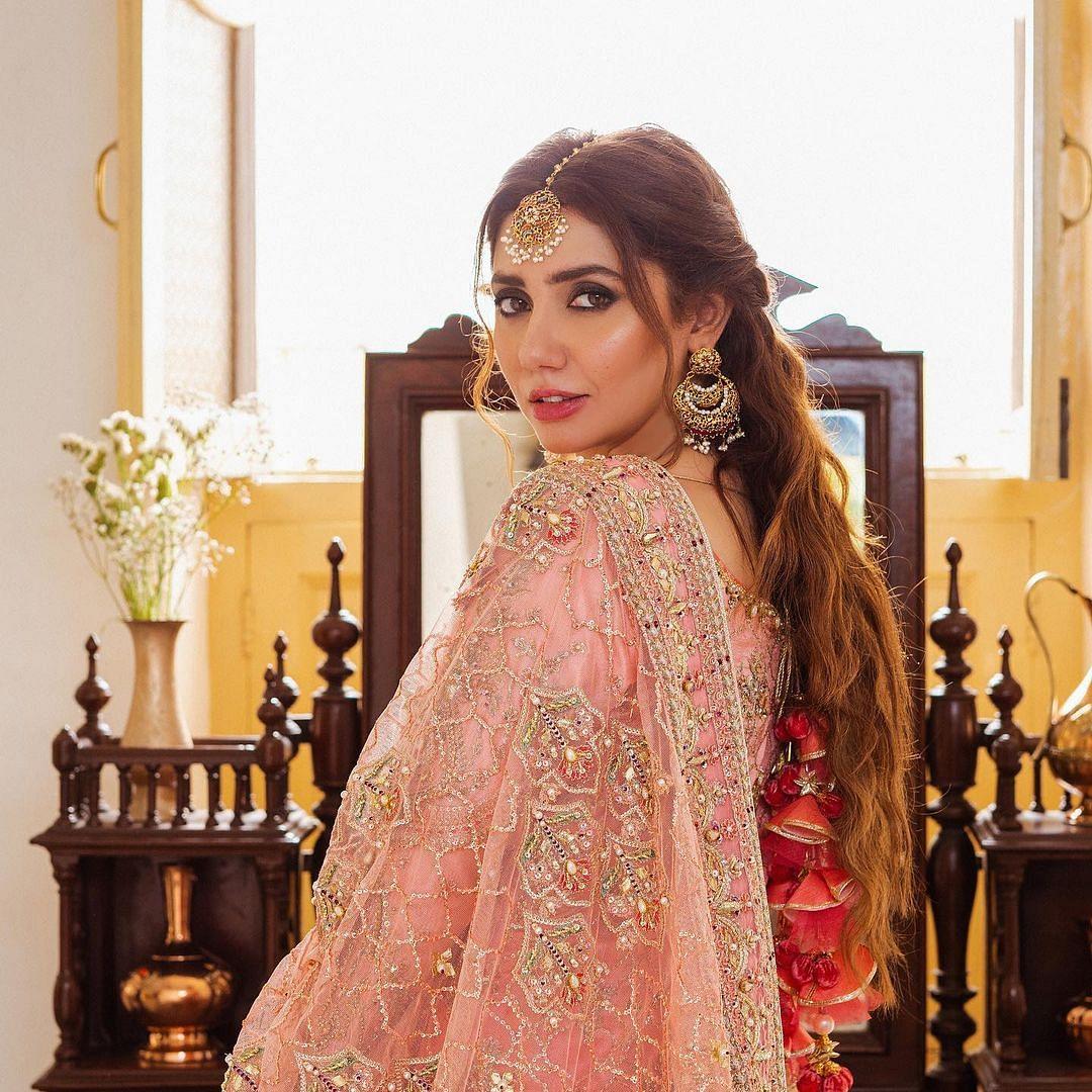 Mahira Khan, Pakistani actress of 'Humsafar', 'Raees' fame, tests positive for COVID-19