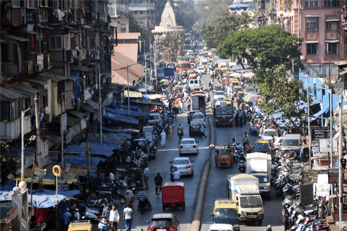 Activists complain about traffic and illegal parking in Kalwa