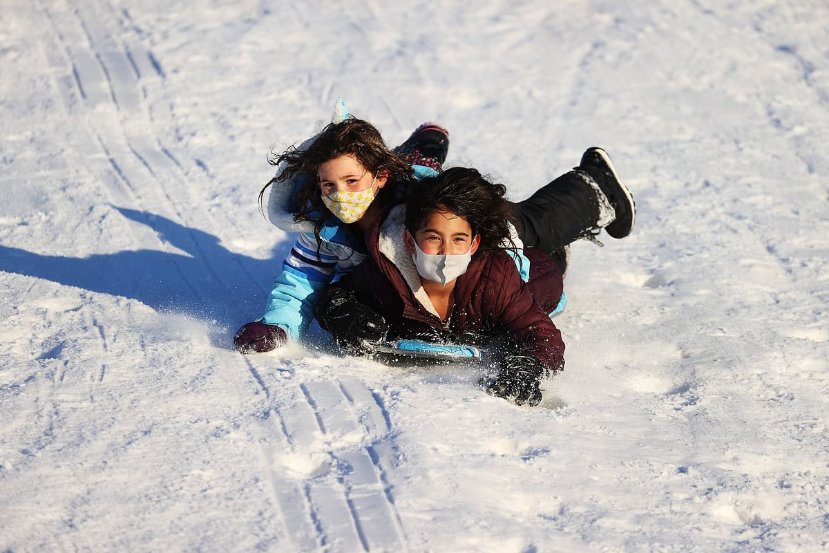 Monstrous snowstorm kills seven people in US