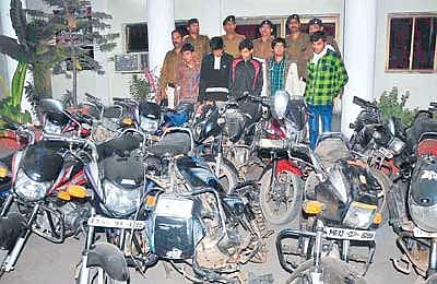 Madhya Pradesh: Three youths arrested with six stolen bikes after long police chase in Indore