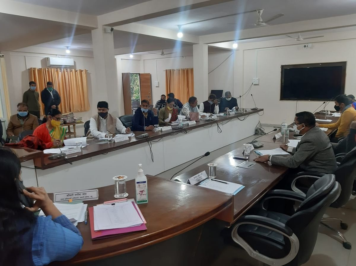 Mhow Cantonment Board meeting in progress