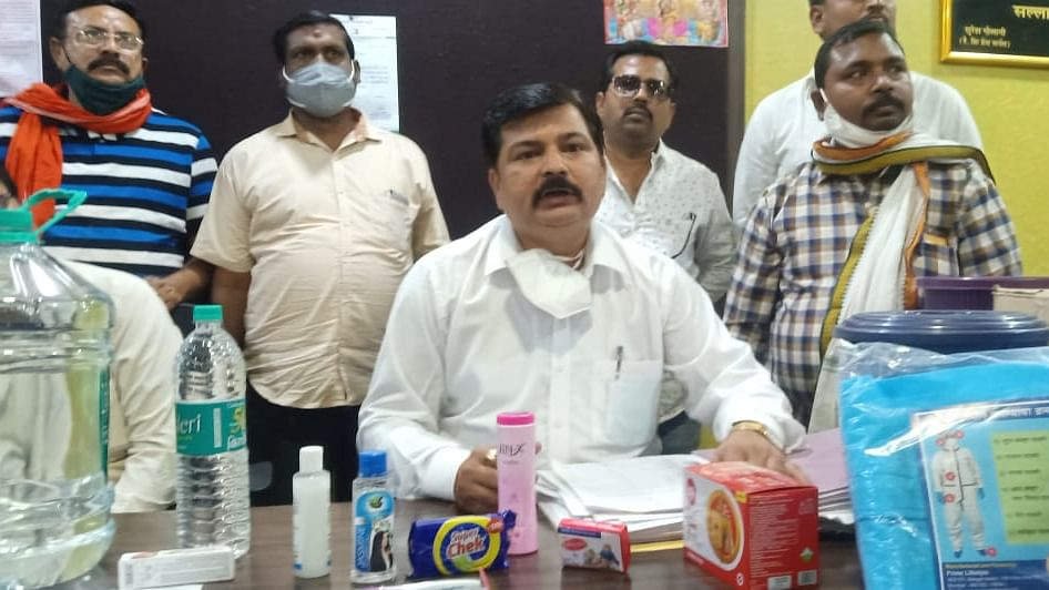 BJP corporator Sriprakash Singh with the products and inflated bills.