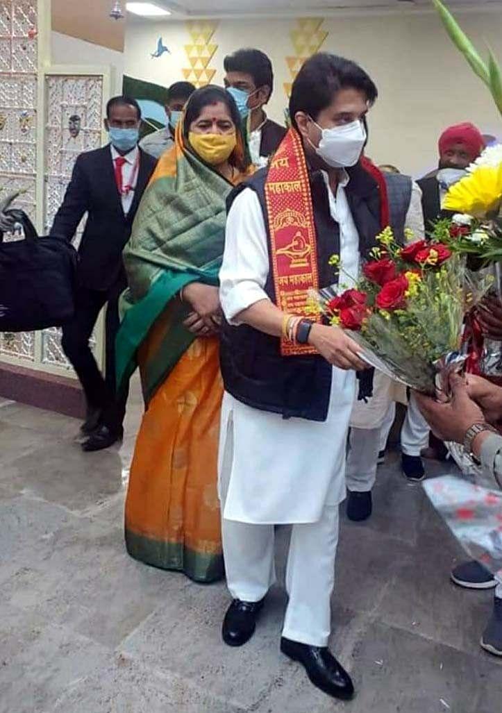 Rajya Sabha MP Jyotiraditya Scindia visiting CM's residence on Friday.