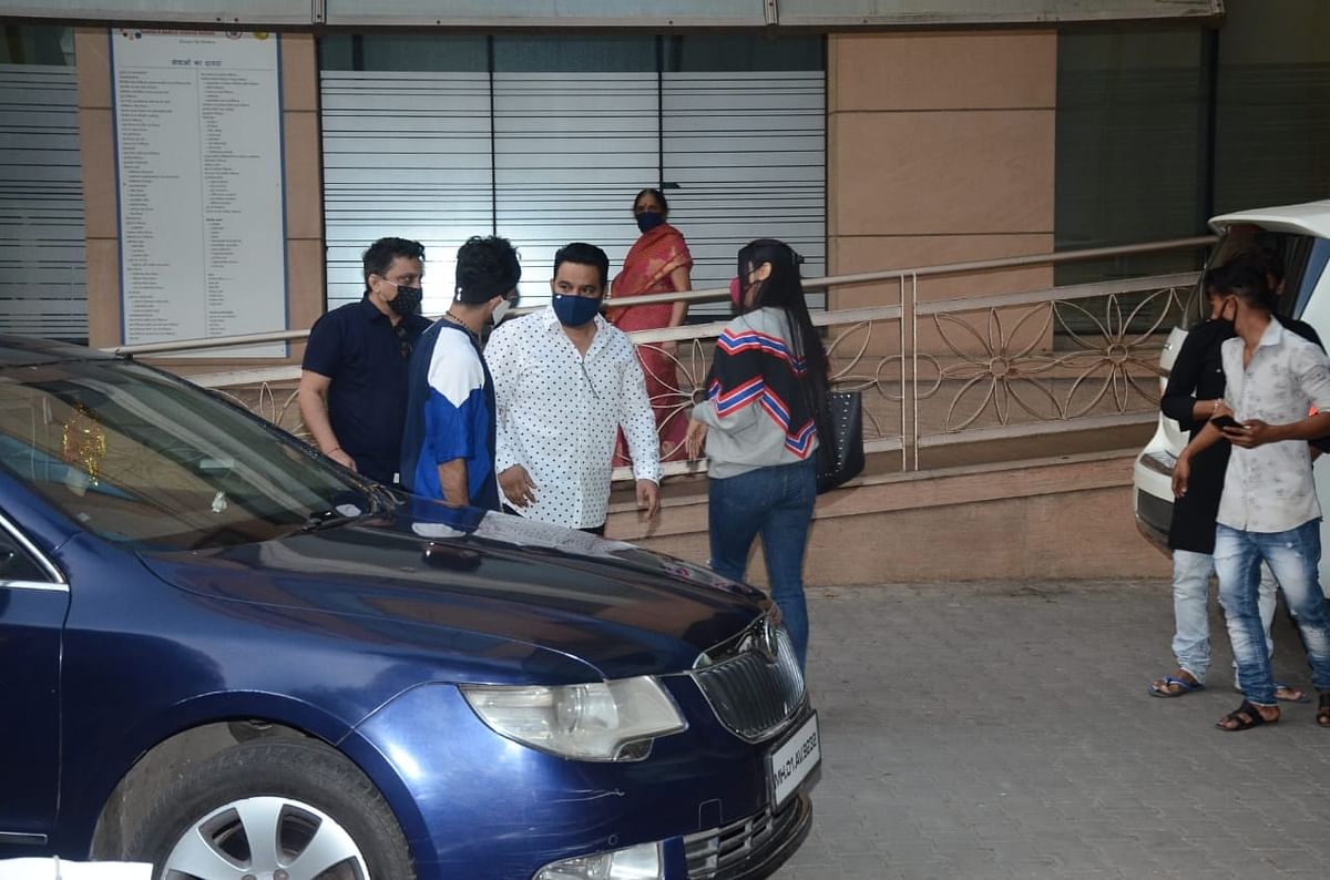 Ahmed Khan at Kokilaben hospital with his wife