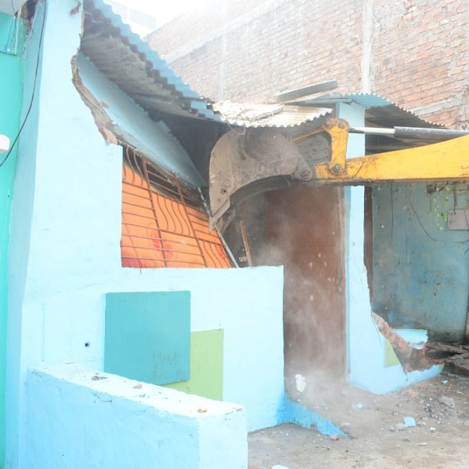 Ujjain: UMC launches drive action against illegal cattle sheds