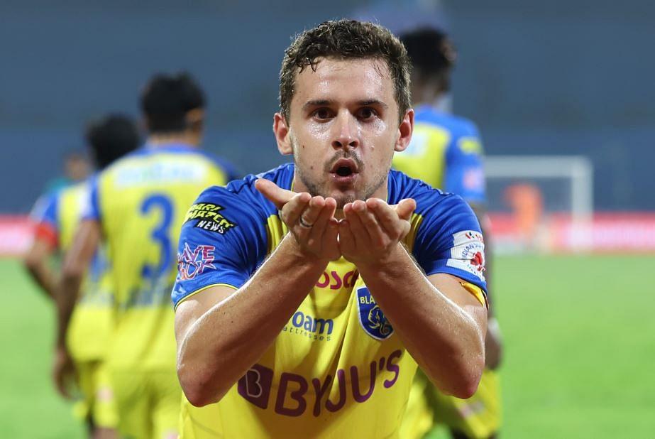 Kerala Blasters' Jordan Murray  celebrates after scoring second goal
