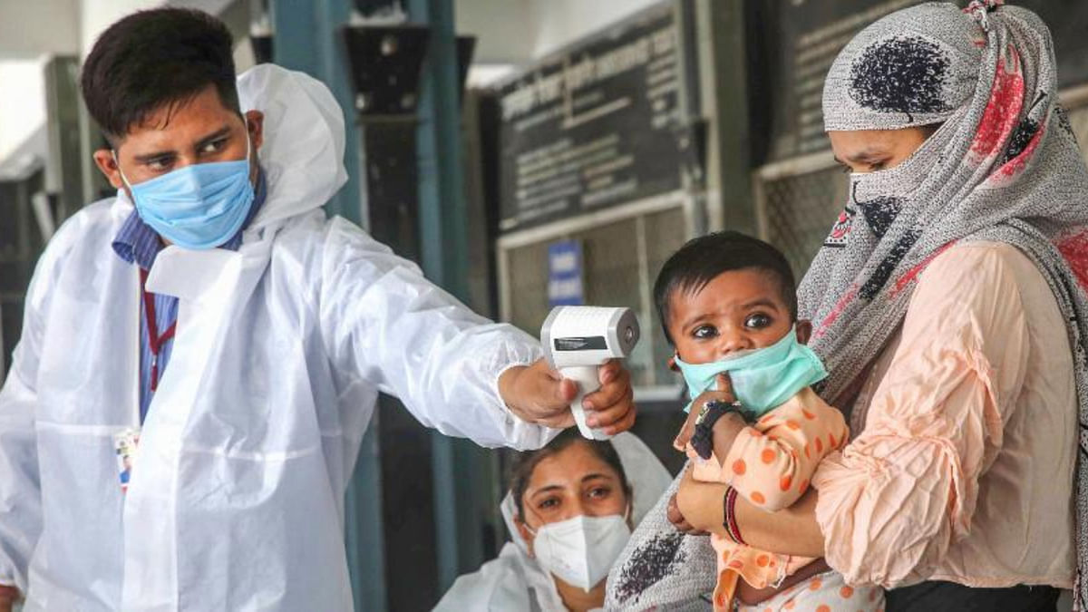 Health workers begin training for COVID-19 vaccination; Centre asks states to be ready for 'adverse events'