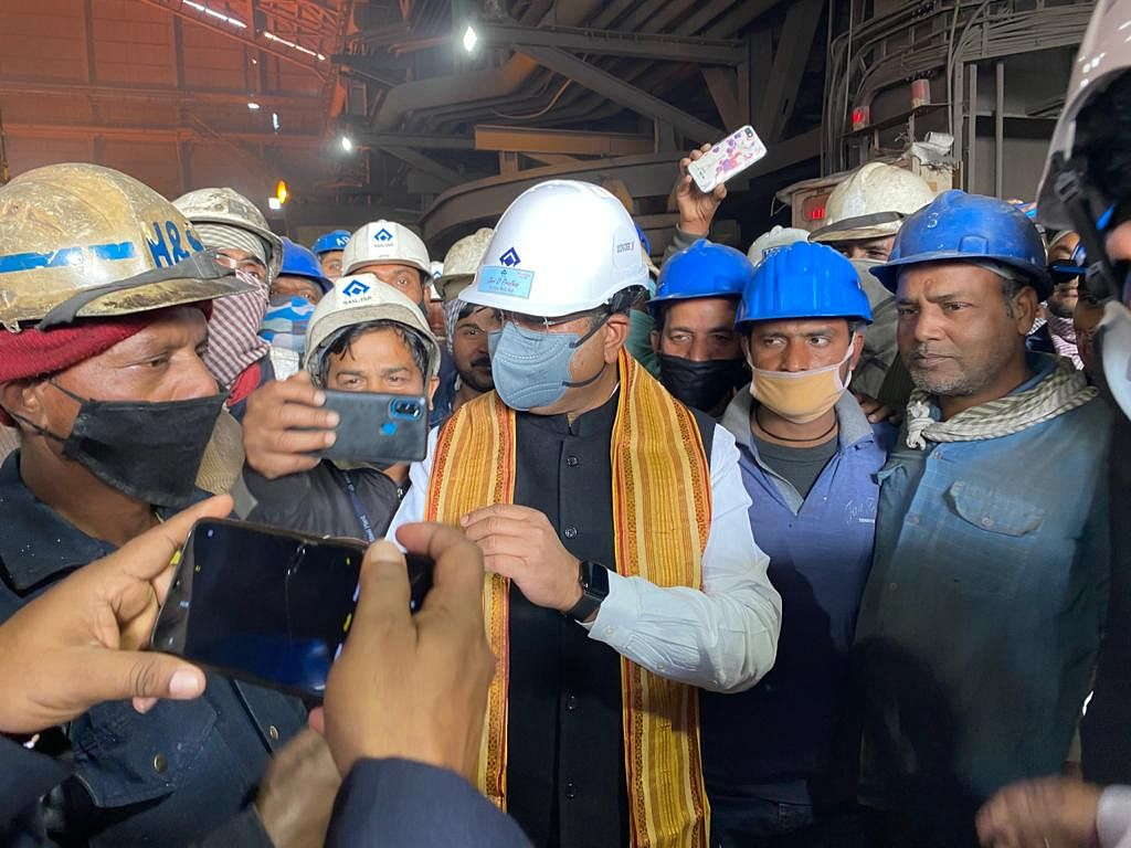 SAIL's IISCO, Durgapur plants to play important role in Mission Purvodaya: Pradhan