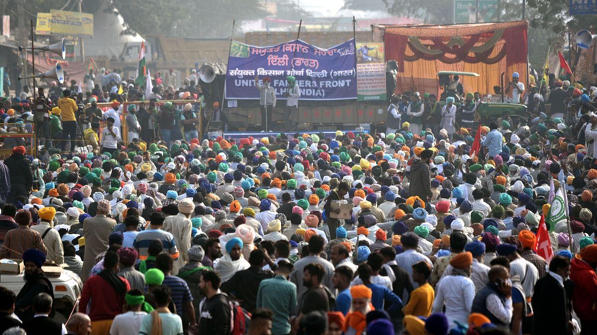 Protesting farmers step up agitation, block Ghaziabad-Delhi stretch on NH-9