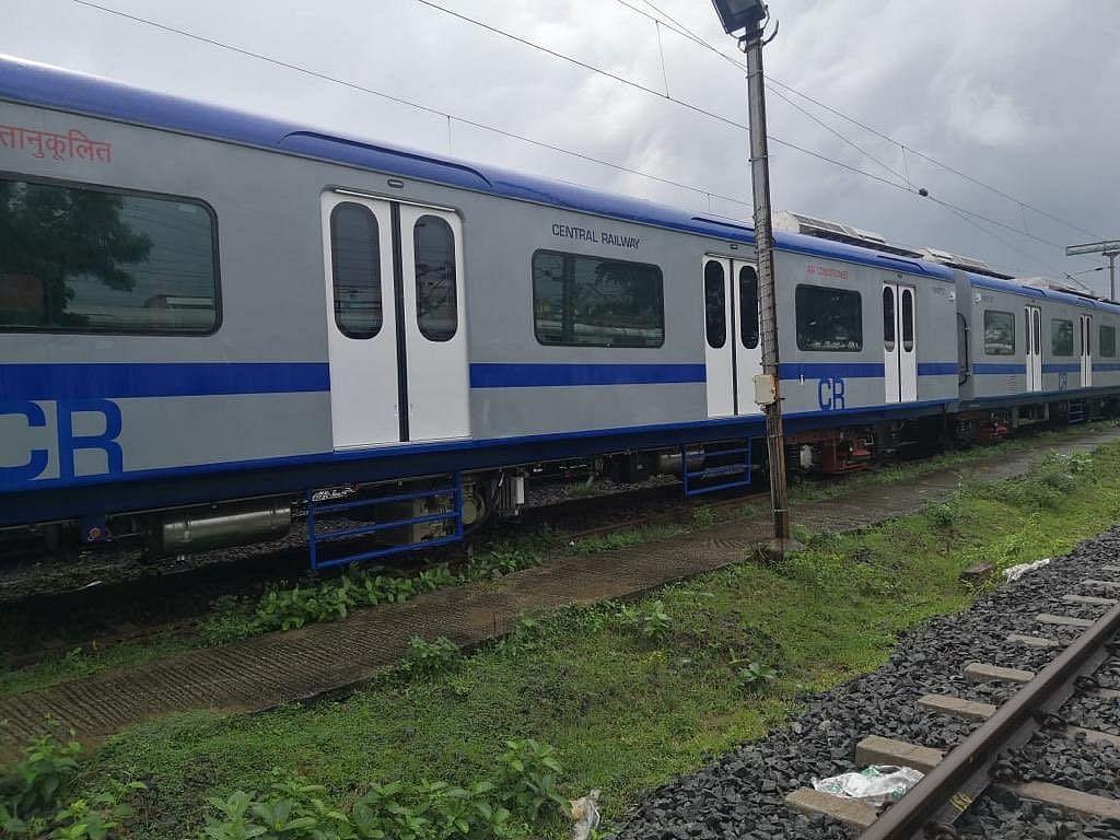 CSMT-Kalyan AC local train receives lukewarm response on Day 1