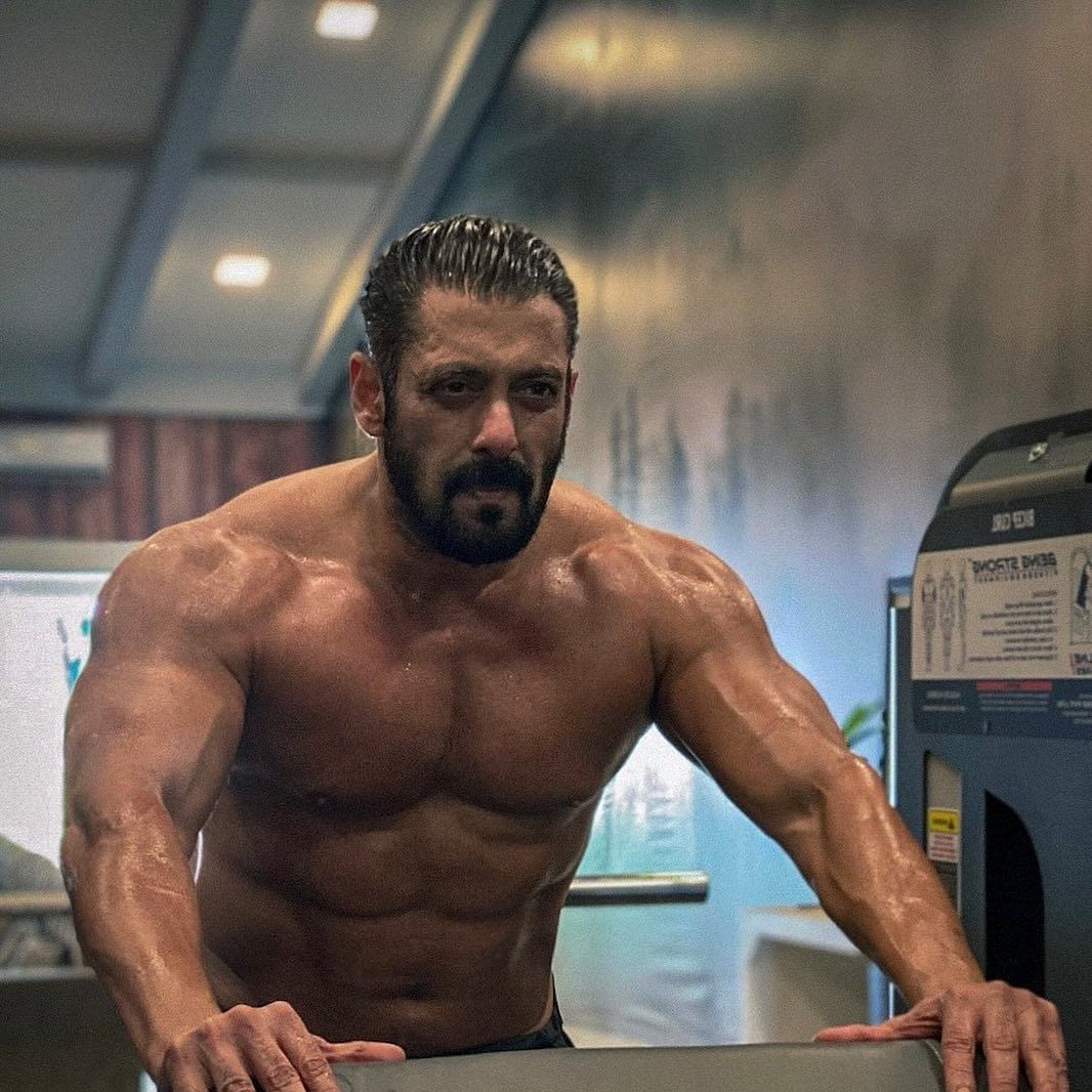 Salman Khan sets temperature soaring in winter with shirtless post-workout picture