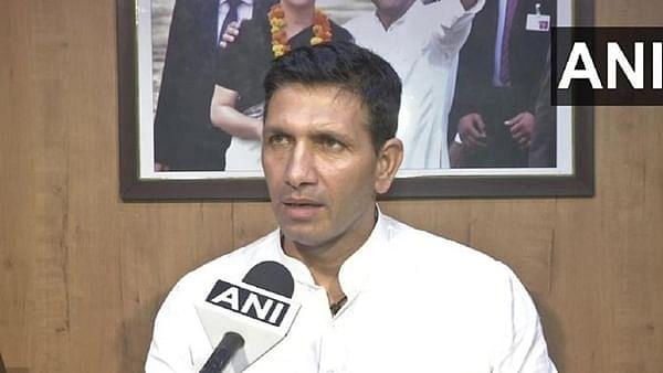 Jitu Patwari at press conference