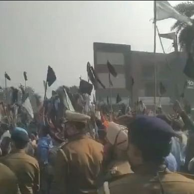 Indore: Truckers hold black flag  protest over rising diesel prices
