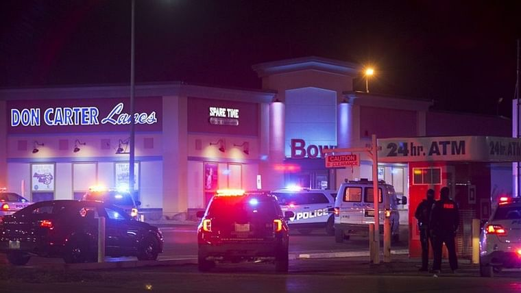 3 killed, 3 injured in shooting at Illinois bowling alley in US; suspect in custody