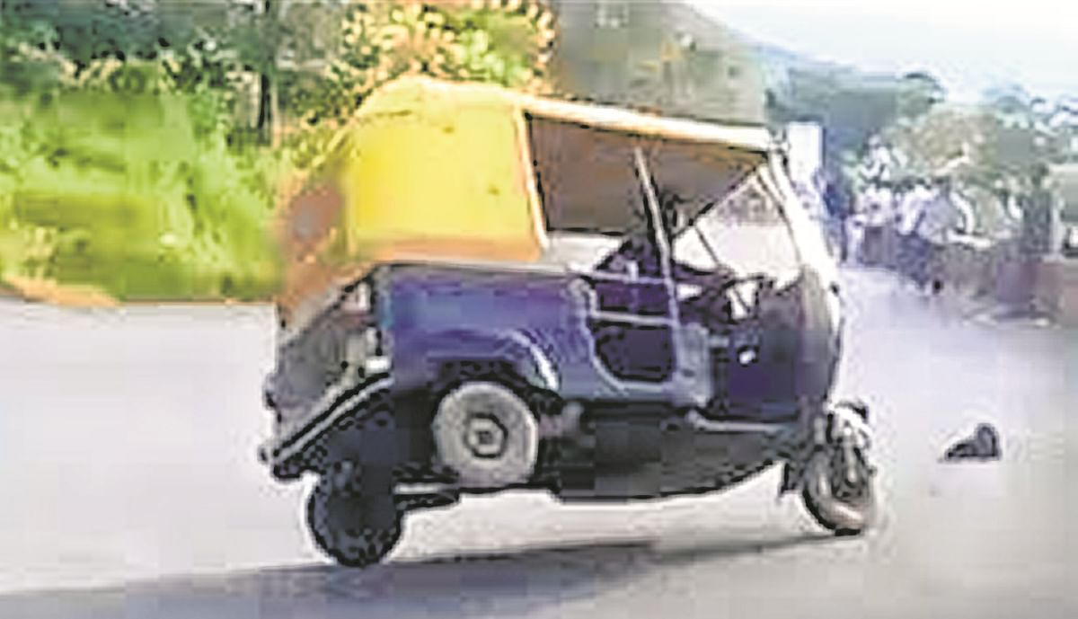 Kandivali auto driver arrested for rash driving in stunt video