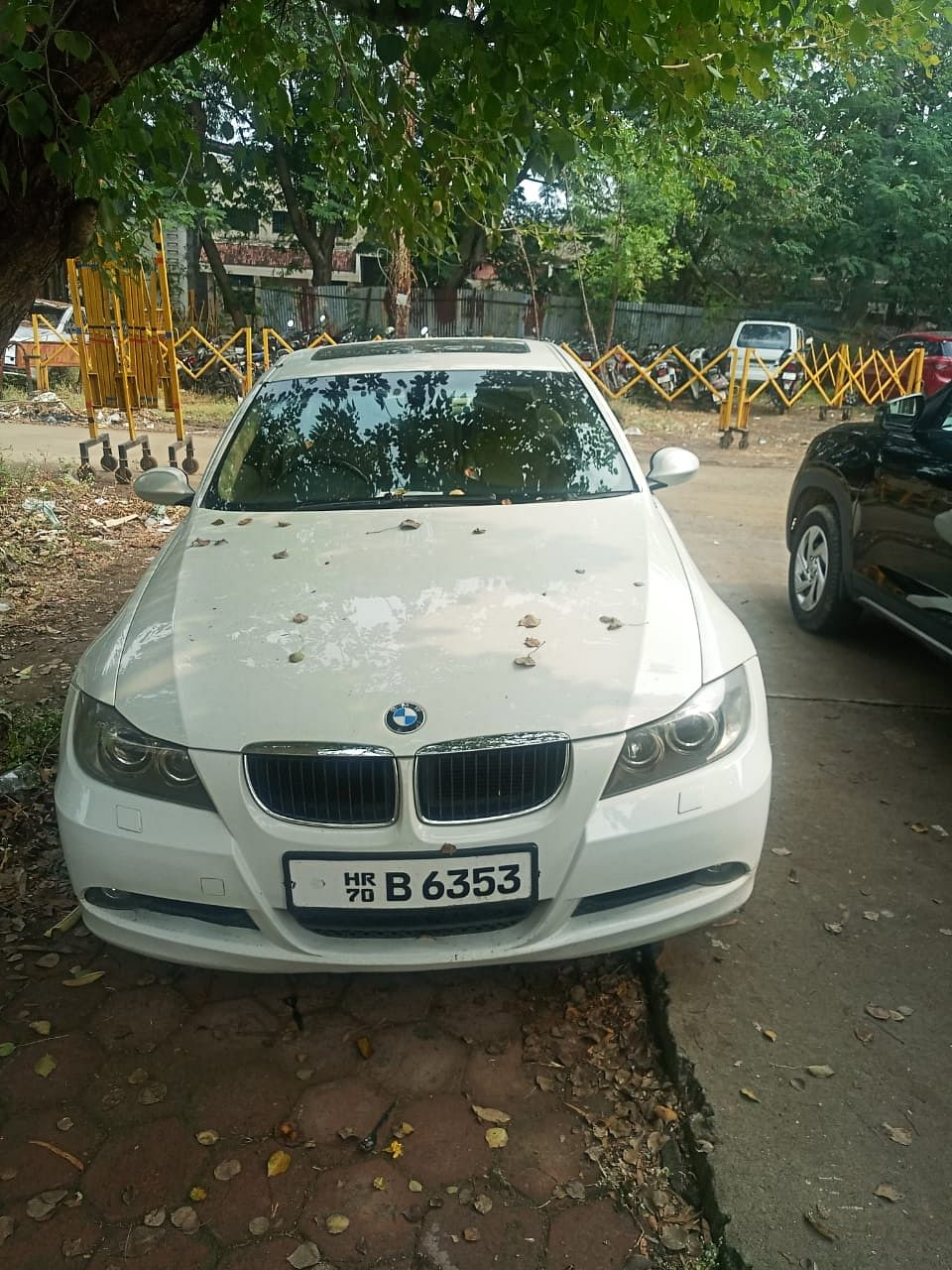 Indore: Rs 48K worth foreign liquor seized from BMW being used for smuggling