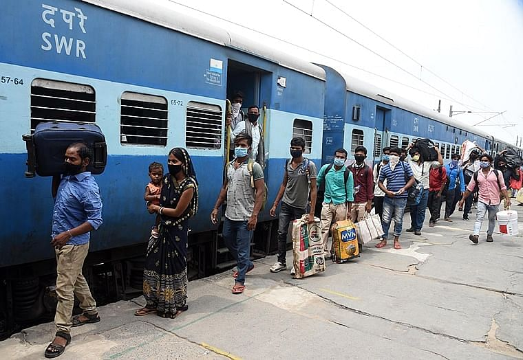 Outstation passengers can board local trains in Mumbai