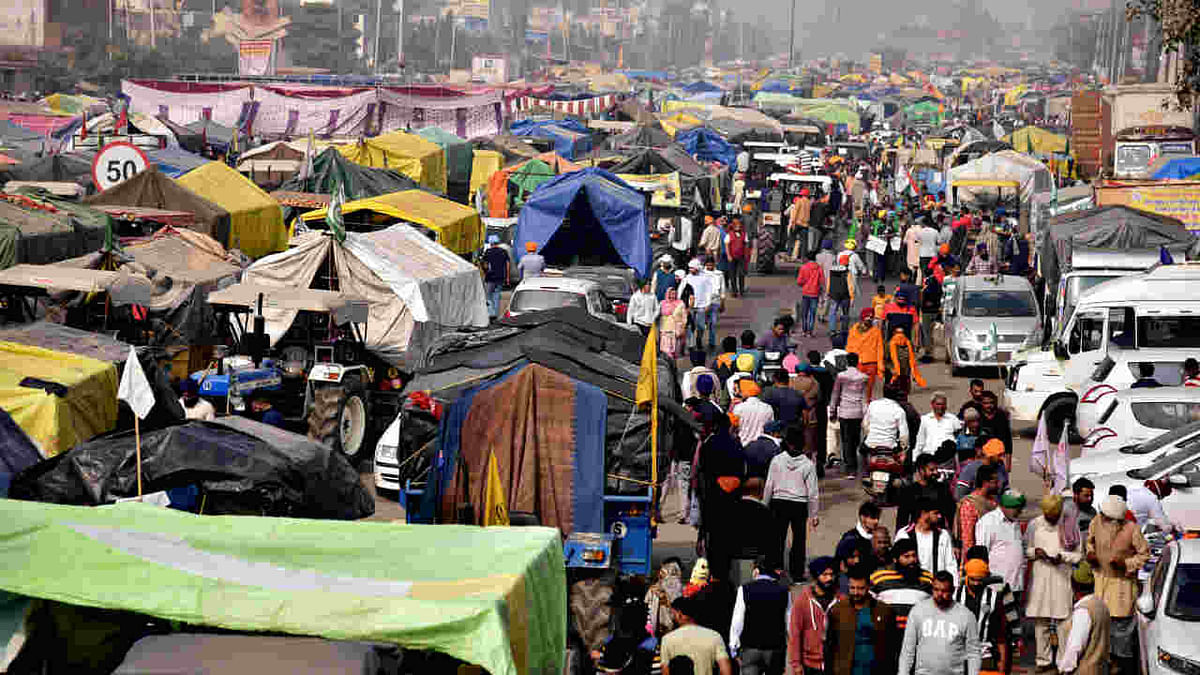 Farmers at Singhu border during their protest against farm laws, in New Delhi on Saturday