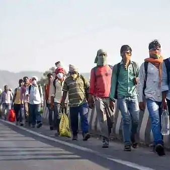 Maha govt swings into action to avoid large exodus of unorganised and migrant workers amid fear of shutdown