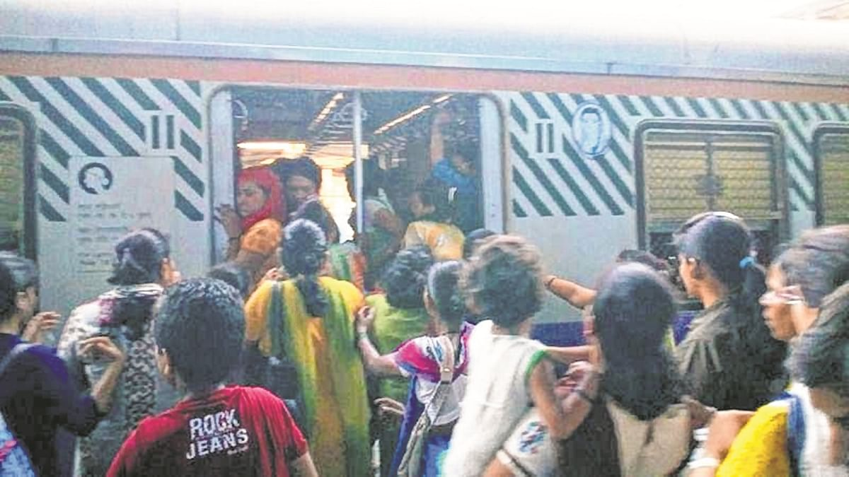 'Smart Sahelees' to protect women commuters on Mumbai locals
