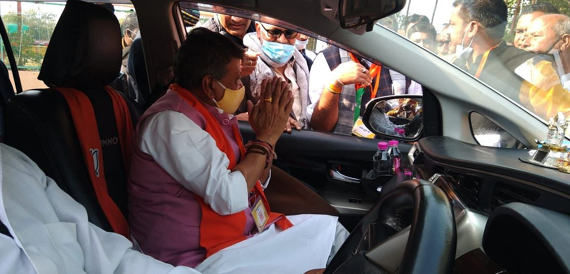 Madhya Pradesh: Vijayvargiya says Bengal seems a state separate from the nation