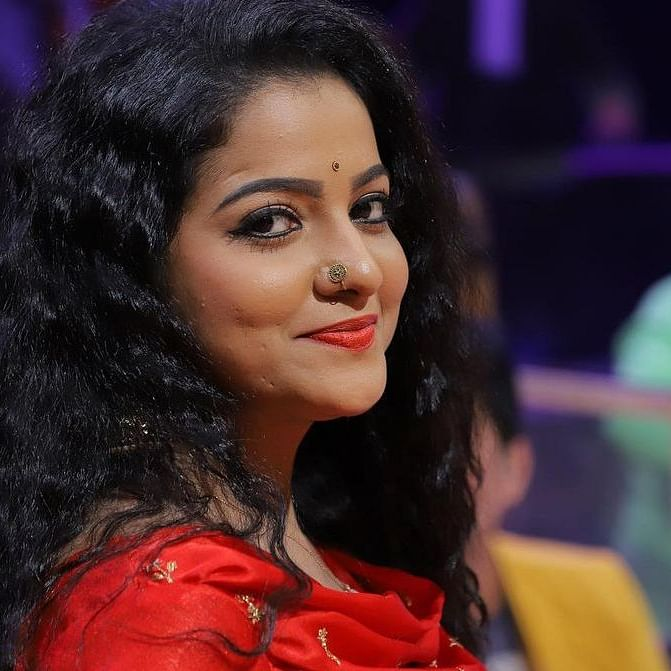 Tamil TV actress Chitra's mother accuses husband of beating her daughter to death