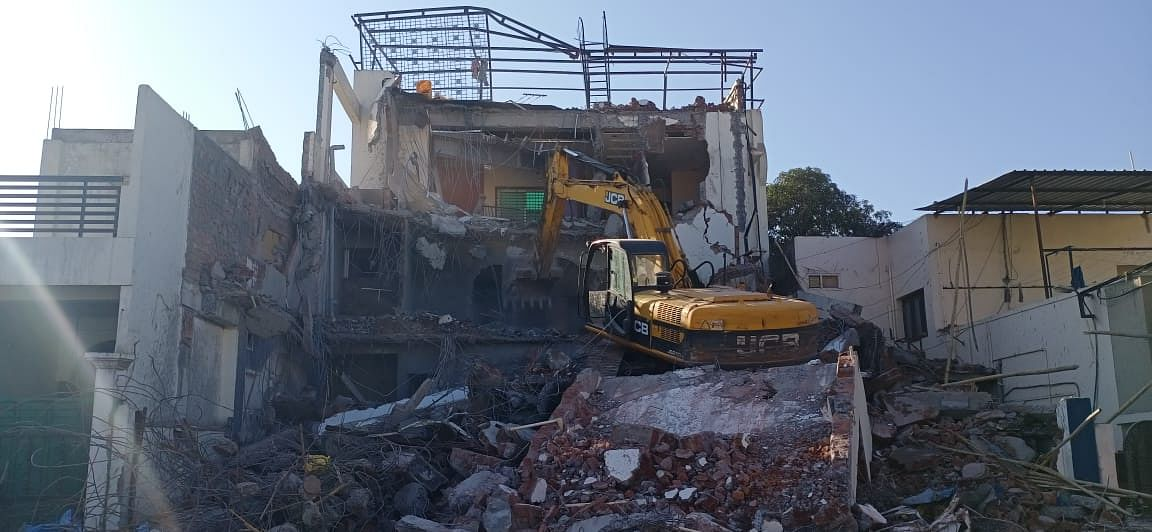 Indore: Amid tears, lady don's Illegal structure dismantled