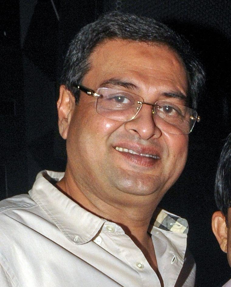Christmas release date does not belong to Aamir Khan: 'Coolie No. 1' writer Rumi Jaffery