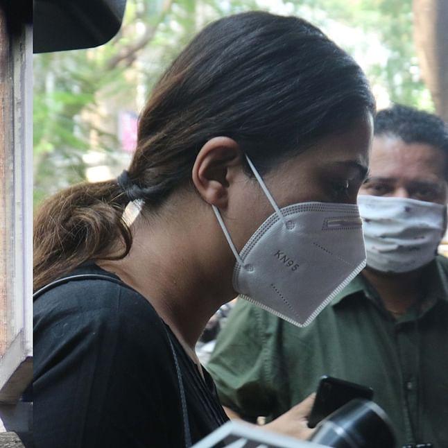 NCB officials probing Haarsh Limbachiyaa and Karishma Prakash in drug case suspended