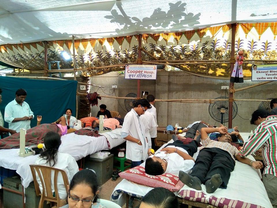 Mumbai: FDA asks Netas, Babus to organise blood donation drives