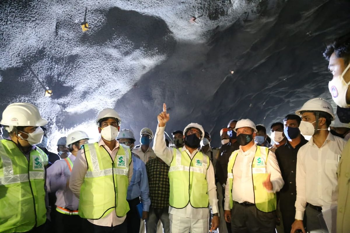 Construction of second tunnel of Airoli-Katai freeway begins