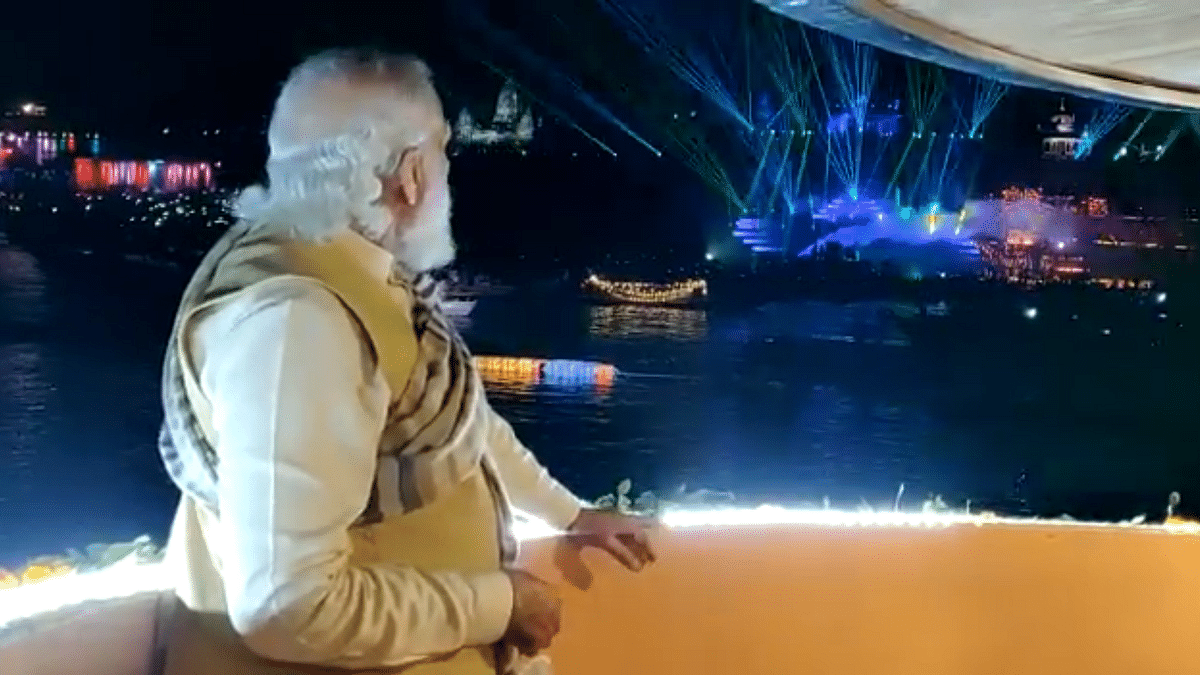 'Nero fiddled while Rome burnt...': Oppn lambasts PM for watching light and sound show in Varanasi amid farmers protests