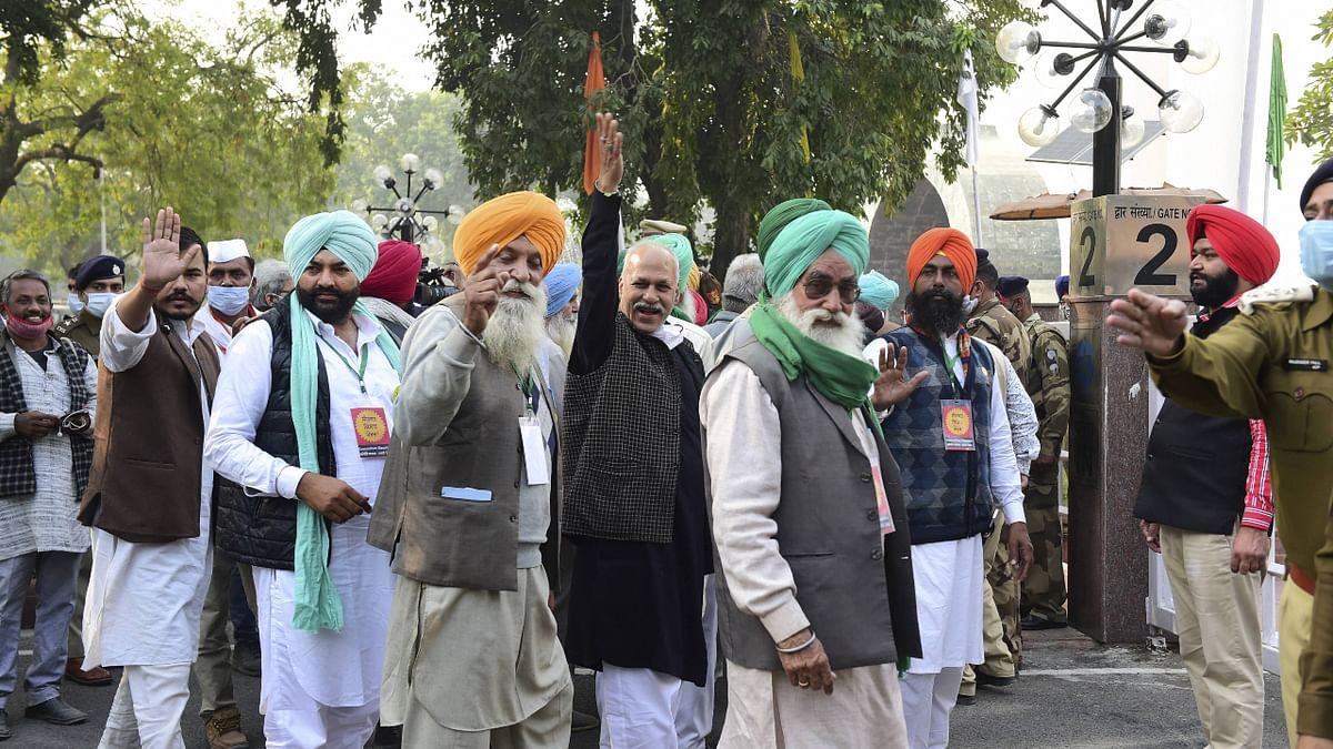 New Delhi: Leaders of various farmer organisations arrive at Vigyan Bhawan after the central government invited them to hold talks, as they continue their agitation at Delhi border points against the new farm laws, in New Delhi, Tuesday, Dec. 1, 2020.