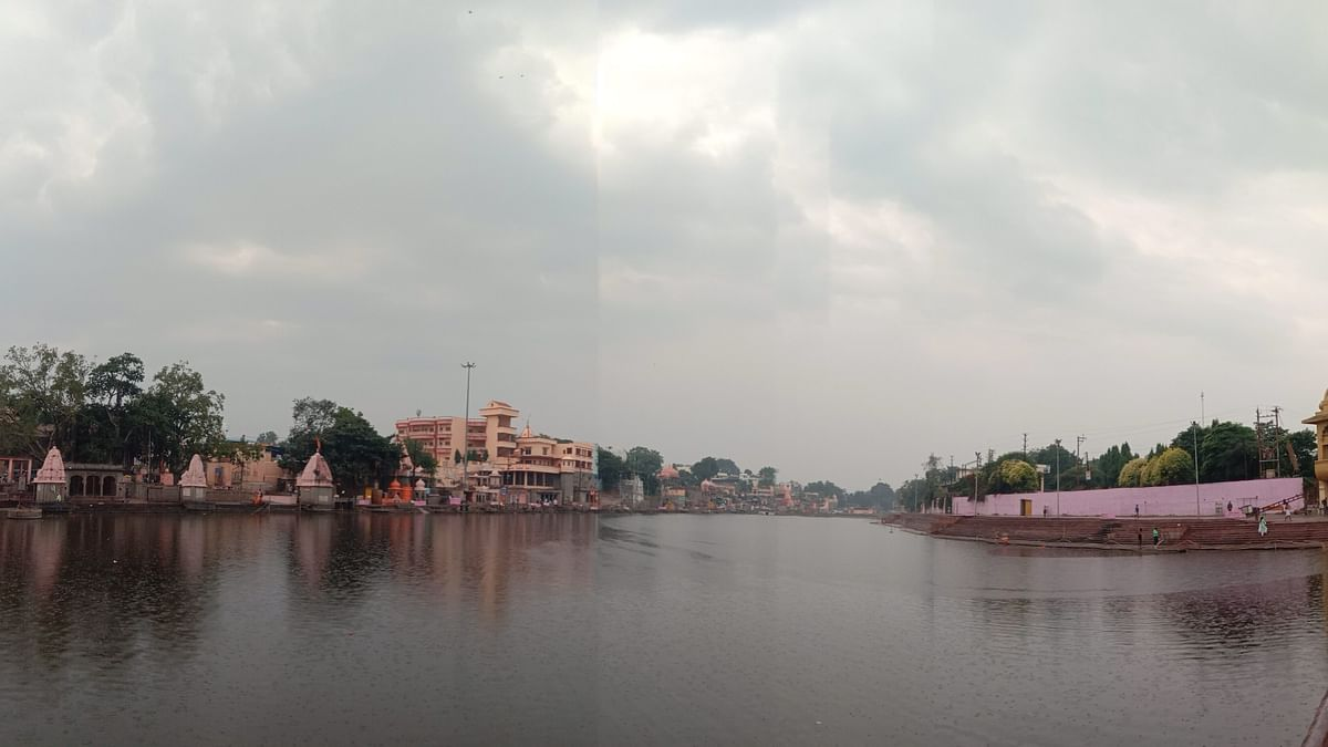 Cloud cover witnessed over the Kshipra as Ujjain receives Mawtha (unseasonal rain) on Friday