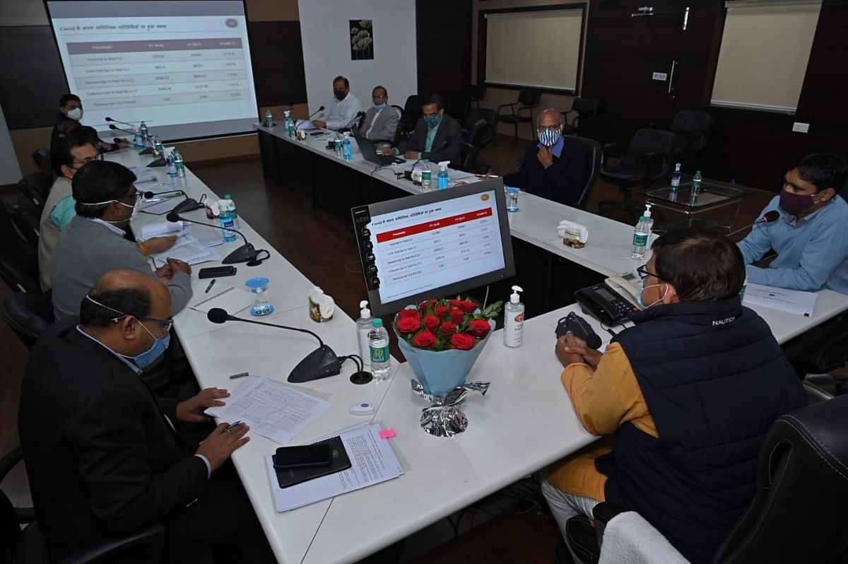 Energy minister Pradyuman Singh Tomar chairing a meeting of Madhya Pradesh Western Region Power Distribution Company officials at Pologround in Indore on Friday