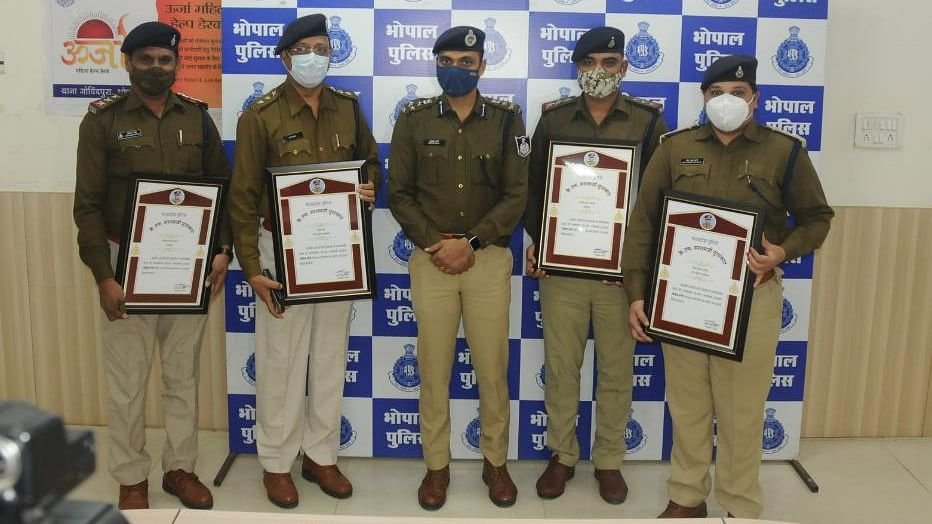Madhya Pradesh police personnel behind arrest of serial killer Adesh Khamra honoured with KF Rustamji Award