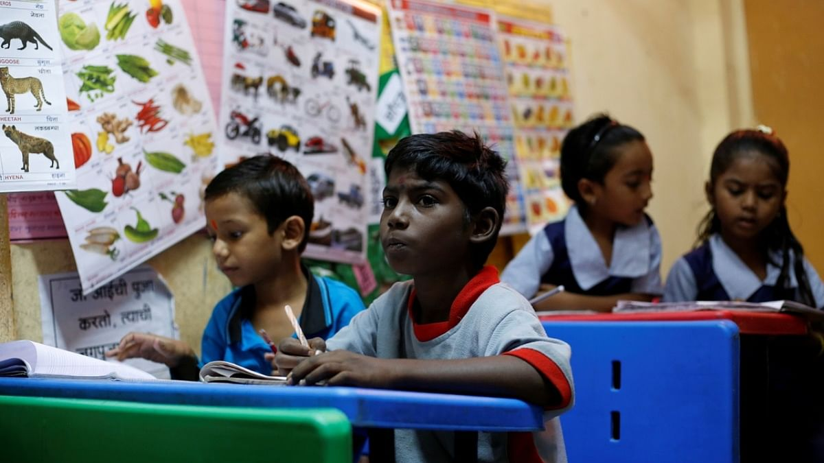 Supreme Court asks states to give Rs 2000 per month for education of CCI children who are now with families