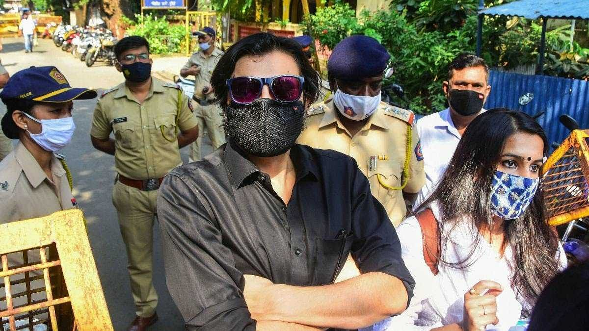 Arnab Goswami, wife withdraw pre-arrest bail pleas in case of obstructing cops during arrest