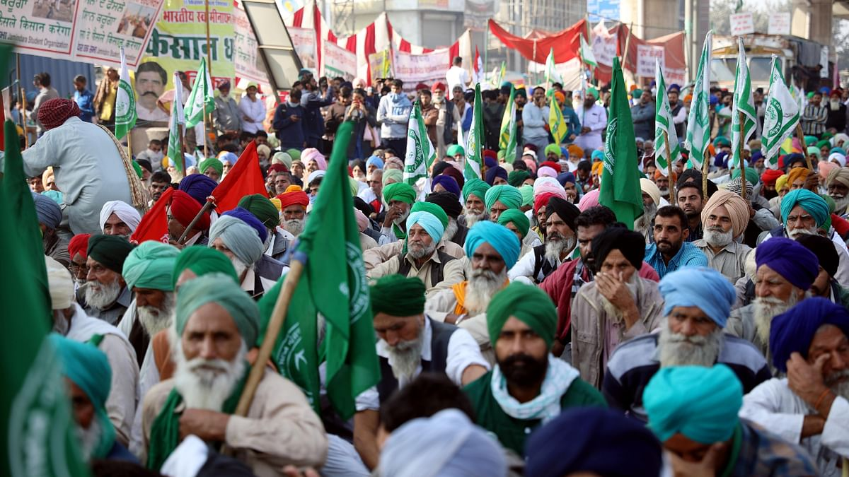 'Won't allow BJP to unfurl national flag on Independence Day': Farm unions issue new warning