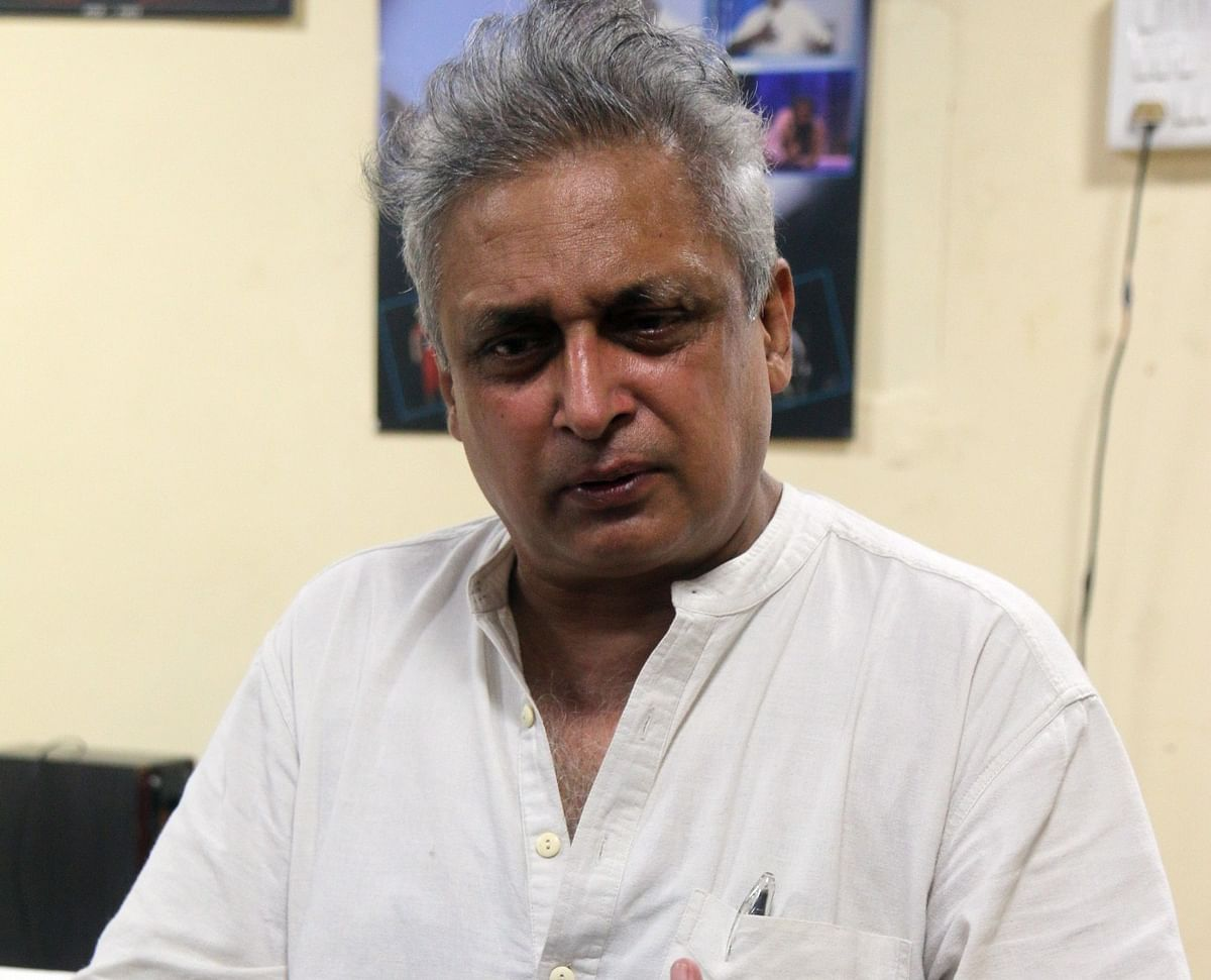 Film and theatre actor Piyush Mishra  interacting with media persons at MP School of Drama  in the city on Sunday