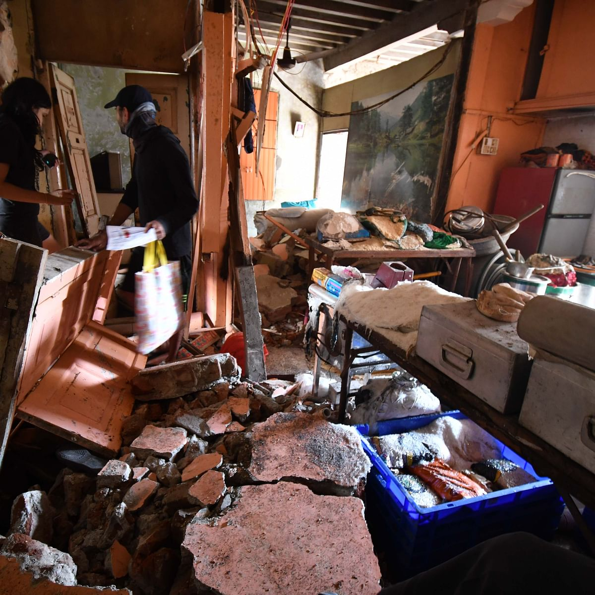 Mumbai: 20 injured in cylinder blast at Lalbaug area