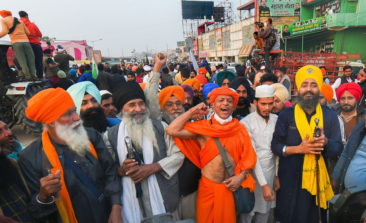 Religious leaders of various communities take part in the farmers' agitation against the Center's new farm laws, at Singhu border in New Delhi, on Dec 7, 2020