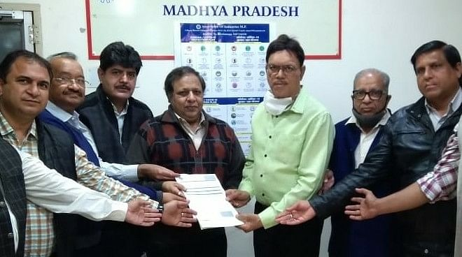 MoU between AIMP and DIC to hand over maintenance work of Kila Maidan and Sanwer Road industrial areas to industrialists