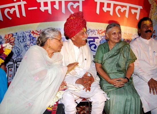 Gulati with then Delhi CM Sheila Dixit.