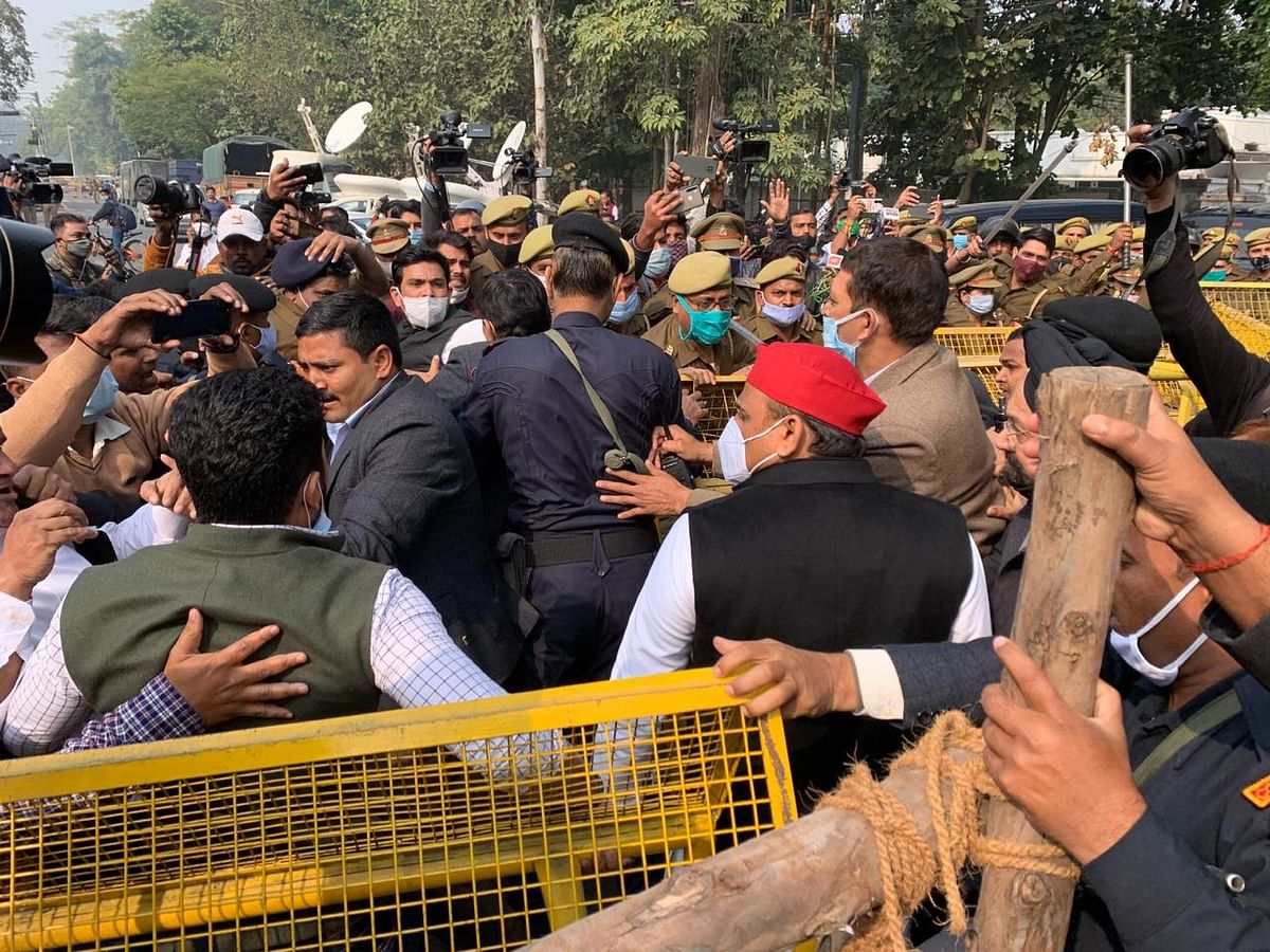 Stopped on way to Kannauj for 'Kisan Yatra,' SP chief Akhilesh Yadav sits on dharna; detained