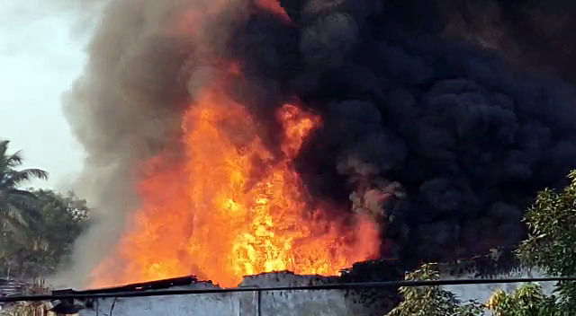 Six shops gutted in major fire in Vasai, none hurt